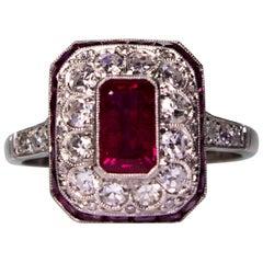 Nachlass Ring aus Platin mit 2,05 Karat Rubin 'GIA-zertifiziert' und Diamanten