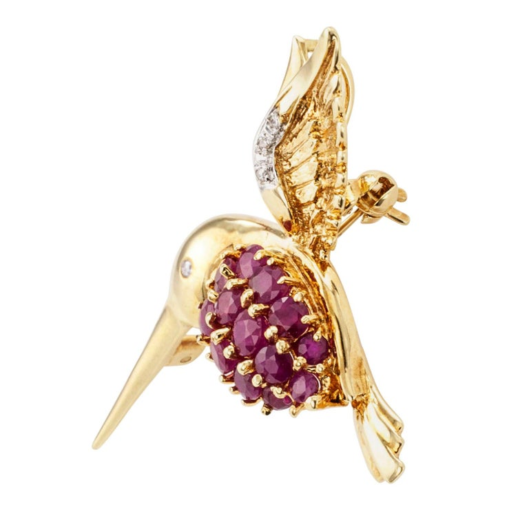 Contemporary Estate Ruby Diamond Yellow Gold Hummingbird Brooch Pendant For Sale