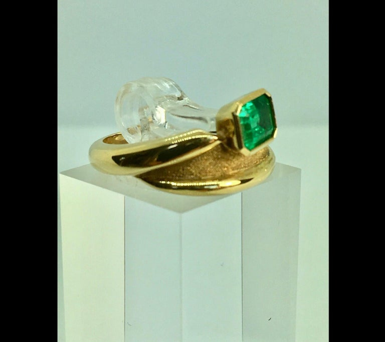 Artisan Estate Solitaire Ring Natural Colombian Emerald 18 Karat For Sale