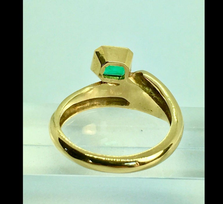 Emerald Cut Estate Solitaire Ring Natural Colombian Emerald 18 Karat For Sale