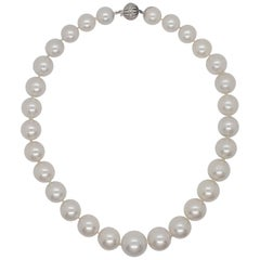 Estate South Sea White Pearl Necklace with Diamond Clasp in 18 Karat White Gold
