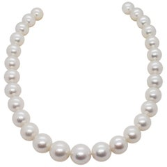 Estate South Sea White Pearl Strand with Pearls