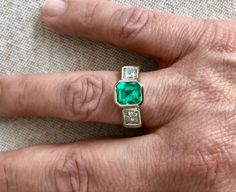 Contemporary Estate Square Fine Colombian Emerald Diamond Ring White Gold 18 Karat For Sale