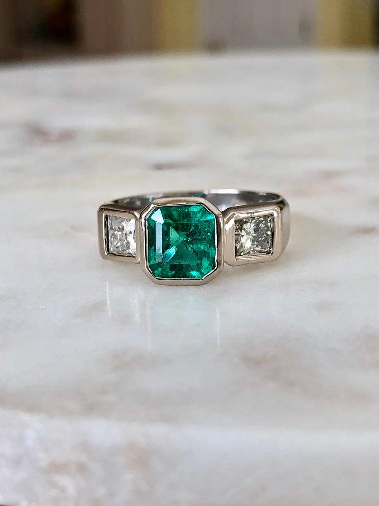 Estate Square Fine Colombian Emerald Diamond Ring White Gold 18 Karat For Sale 4