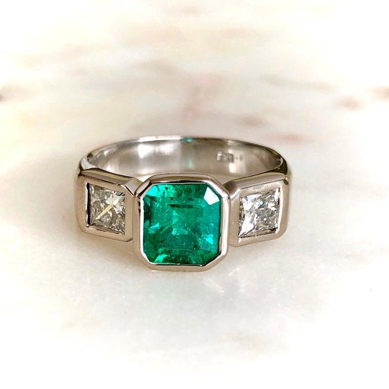 Estate Square Fine Colombian Emerald Diamond Ring White Gold 18 Karat For Sale 5