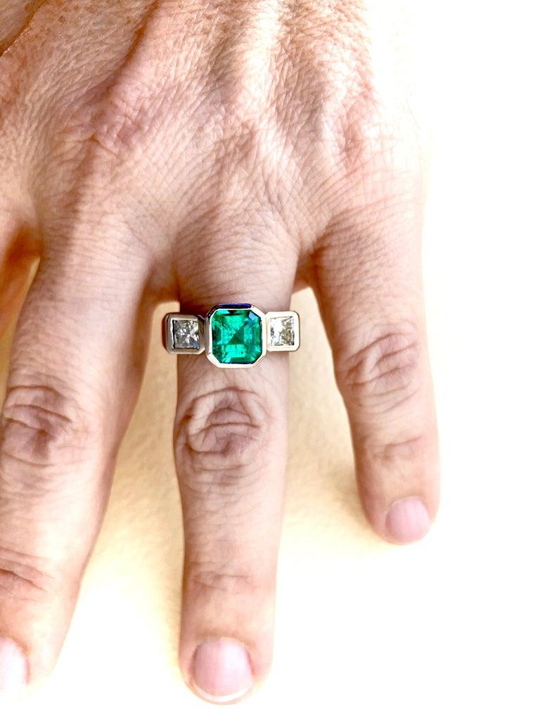 Estate Square Fine Colombian Emerald Diamond Ring White Gold 18 Karat For Sale 2
