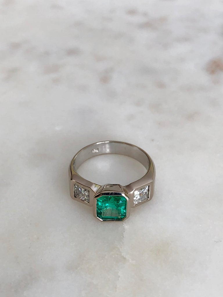 Women's or Men's Estate Square Fine Colombian Emerald Diamond Ring White Gold 18 Karat For Sale