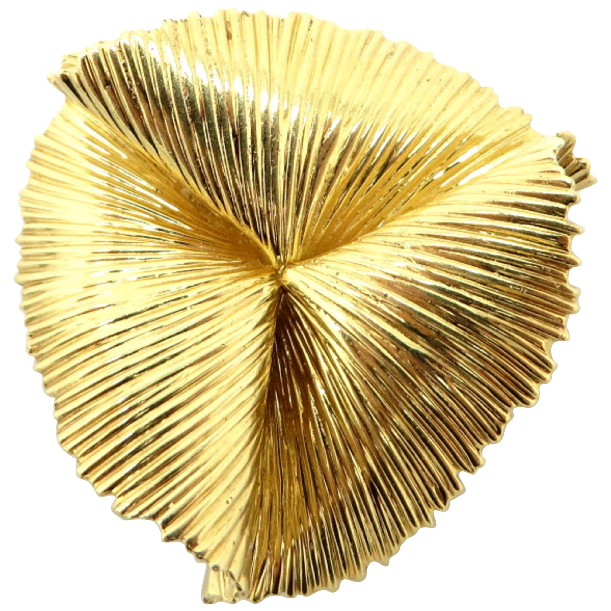 6787d0cdf Valentin Magro Rope and Wire Overlapped Brooch For Sale at 1stdibs