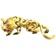 Estate Vintage Italian 18 Karat Yellow Gold Diamond Tiger Brooch