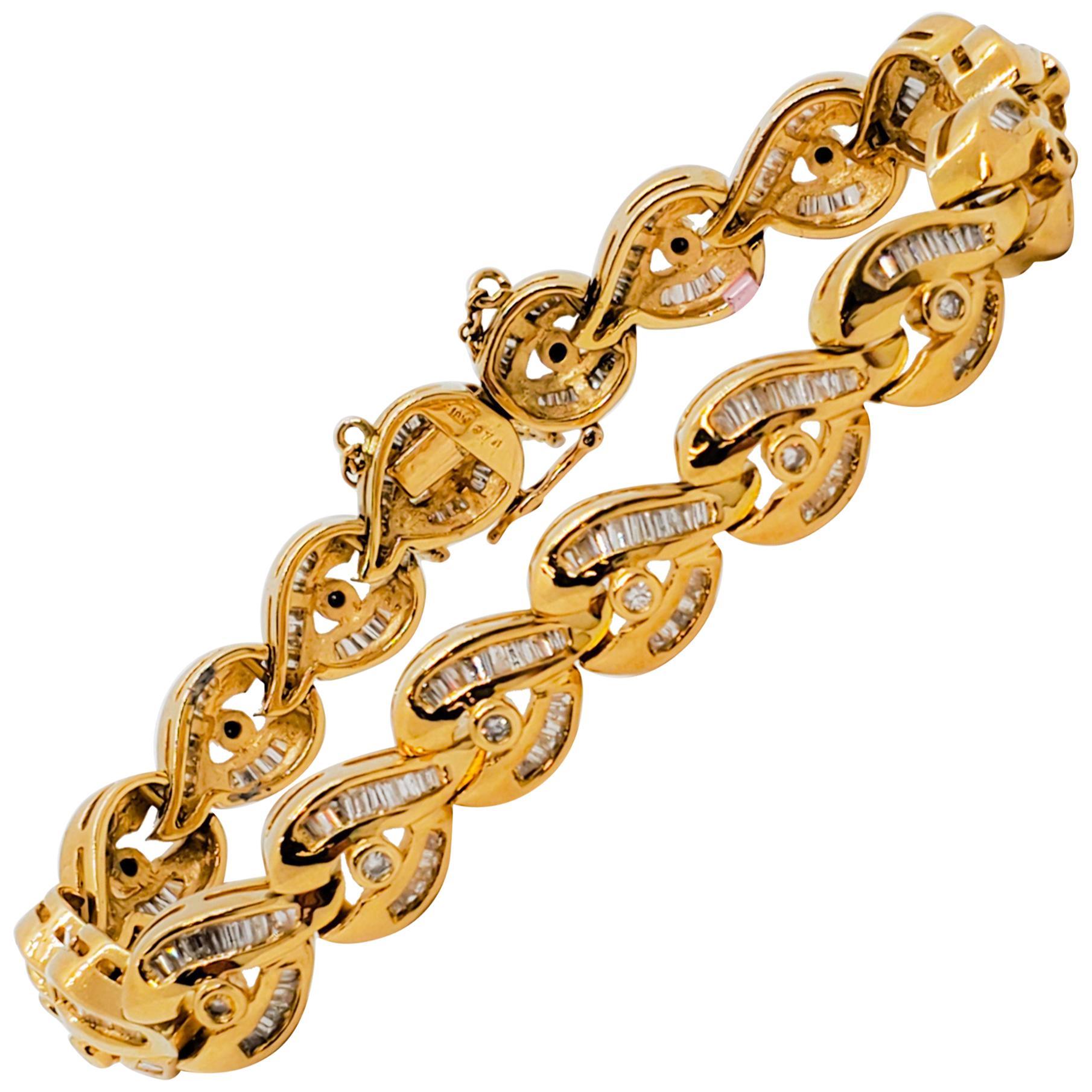Estate White Diamond Design Bracelet in 18 Karat Yellow Gold