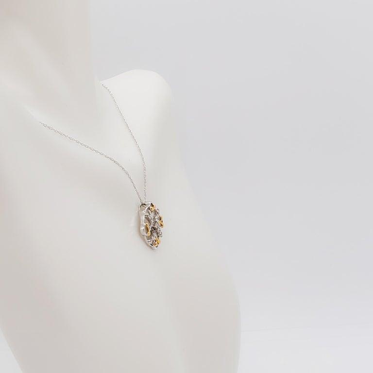 Estate White Diamond Pendant Necklace in 18k Two Tone Gold For Sale 5