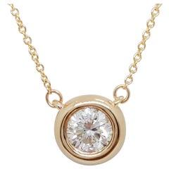 Estate White Diamond Round Pendant Necklace in 14k Yellow Gold