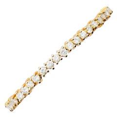 Estate White Diamond Round Tennis Bracelet in 18 Karat Yellow Gold
