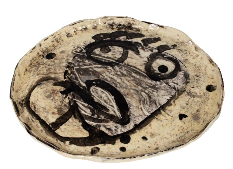 'White Stoneware (Face)' original hand-built ceramic plate by Estherly Allen For Sale 2