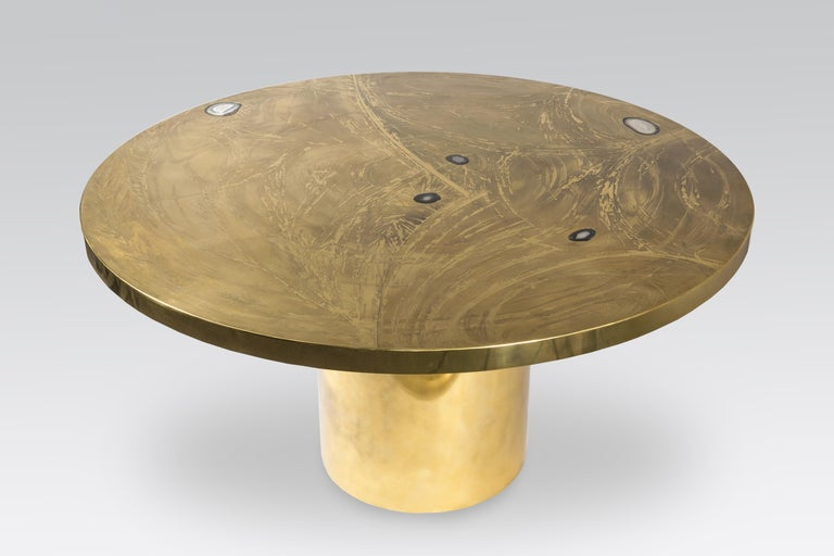 Etched brass dining table inlay 5 agates gemstones by VDL, circa 1980, signed and dated VD.L. 80, perfect condition, new polish. From the same school of Georges Mathias, Willy Daro, Lova creation etc.. I have also the coffee table from the same