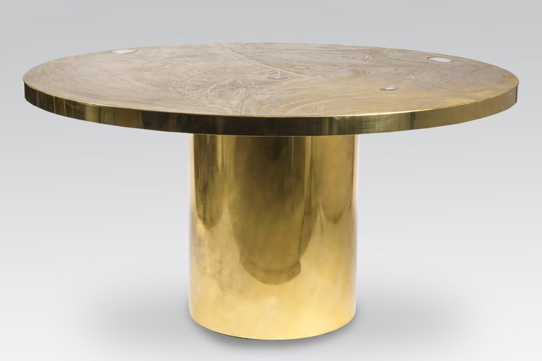Mid-Century Modern Etched Circular Brass Dining Table Inlay 5 Agates by VDL, circa 1980 For Sale