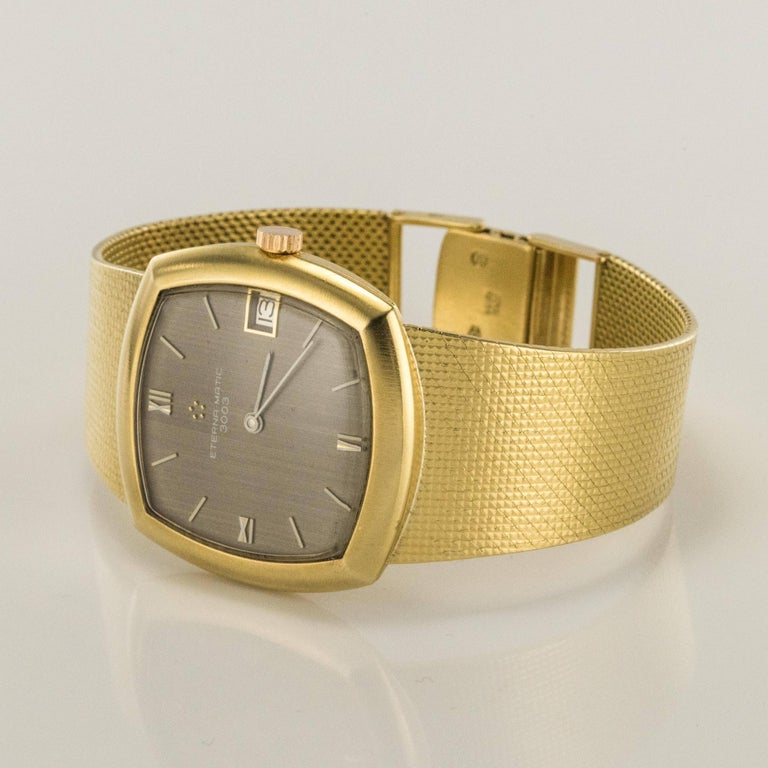 Eterna-Matic 3000 yellow gold vintage Automatic Wristwatch, 1960s  In Excellent Condition For Sale In Poitiers, FR