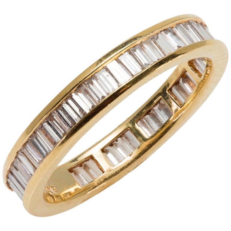 Eternity Baguette Cut 1.57 Carat Diamond Band Ring in 18 Karat Yellow Gold 1980s For Sale