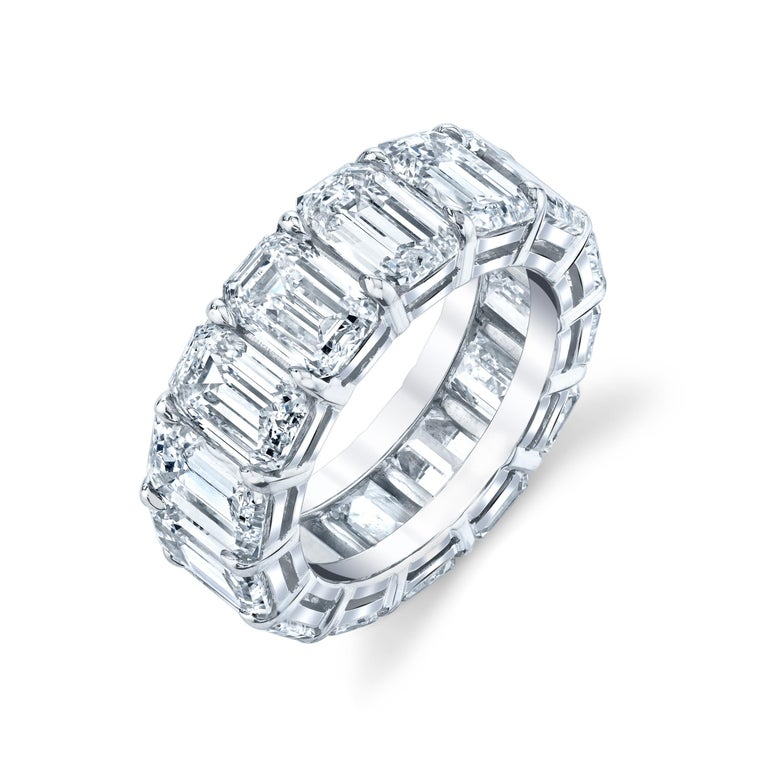 Eternity Band with Emerald Cut Diamonds In New Condition For Sale In Wailea, HI