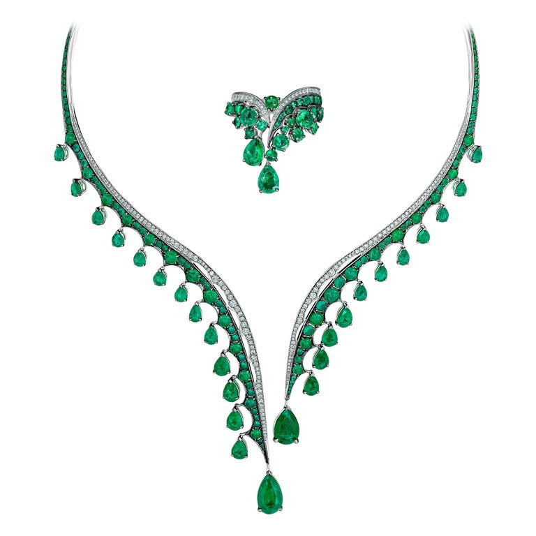 18K White Gold, White Diamonds and Ethically Sourced Emeralds Necklace and Ring For Sale