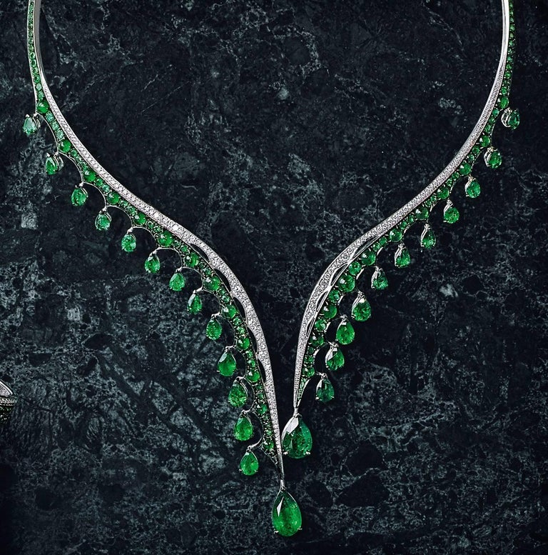 18K White Gold, White Diamonds and Ethically Sourced Emeralds Necklace and Ring For Sale 5