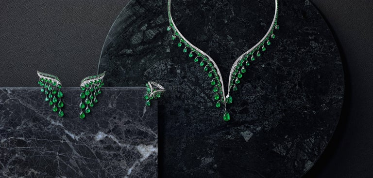 18K White Gold, White Diamonds and Ethically Sourced Emeralds Necklace and Ring For Sale 6