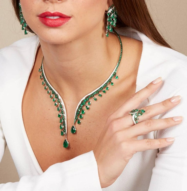 18K White Gold, White Diamonds and Ethically Sourced Emeralds Necklace and Ring For Sale 4