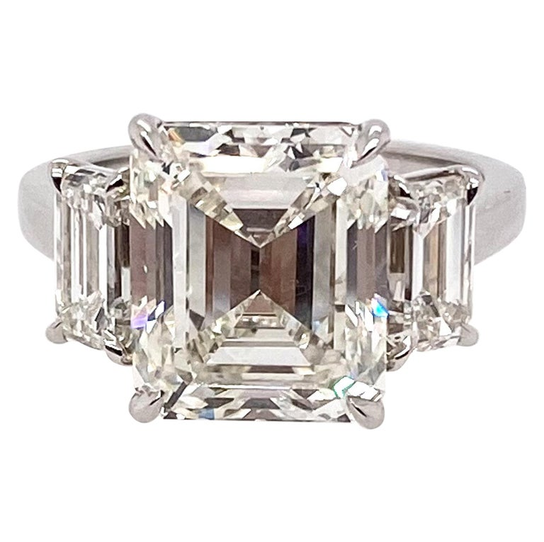 Ethonica Certified Three-Stone Emerald-Cut Diamond Ring in Platinum For Sale