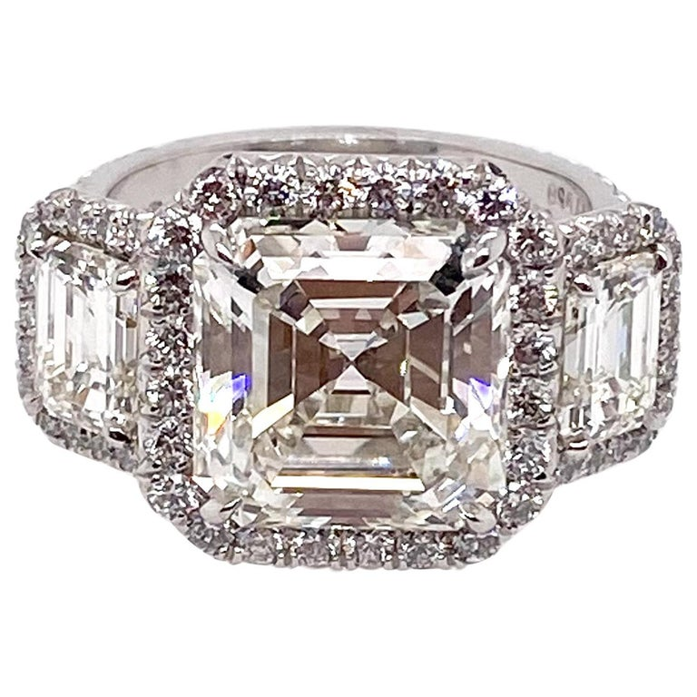 Ethonica GIA Certified Asscher Cut Diamond in Three-Stone Platinum Ring For Sale