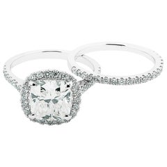 Ethonica GIA Certified Cushion Diamond Engagement Ring Suit in 18 Karat Gold