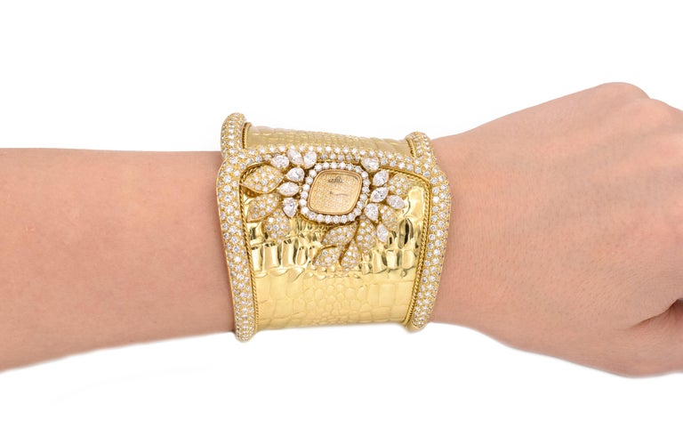Artist Etoile Diamond Cuff Watch Made in 18 Karat Yellow Gold For Sale
