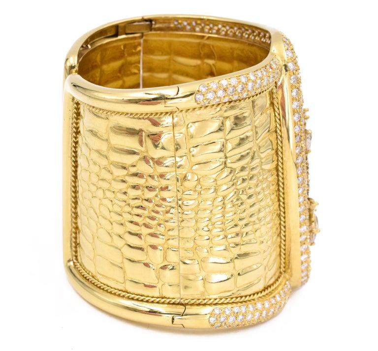 Women's Etoile Diamond Cuff Watch Made in 18 Karat Yellow Gold For Sale