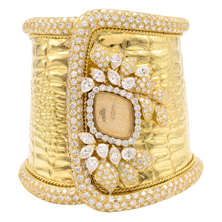 Etoile Diamond Cuff Watch Made in 18 Karat Yellow Gold For Sale