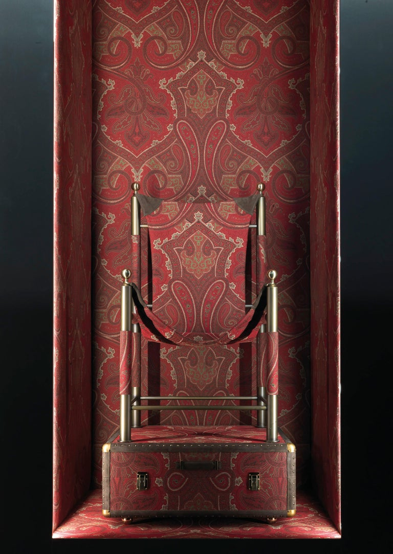 Etro Home Interiors Babel Travel Trunk in Red Paisley and Wood In New Condition For Sale In Cantu, IT
