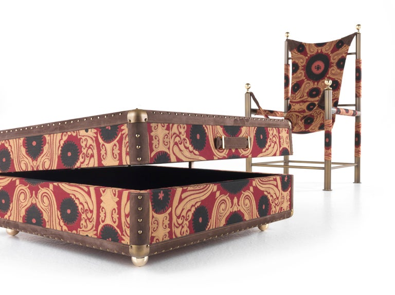 Etro Babel Travel Trunk in Bukhara Fabric and Wood In New Condition For Sale In Cantu, IT