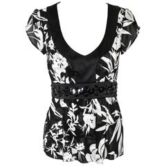 Etro Black and White Short Sleeve Black Trimmed Top With Black Waist Band