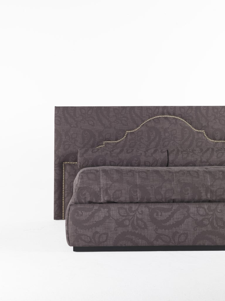 Modern Etro Bombay Bed in Wood and Dark Paisley For Sale