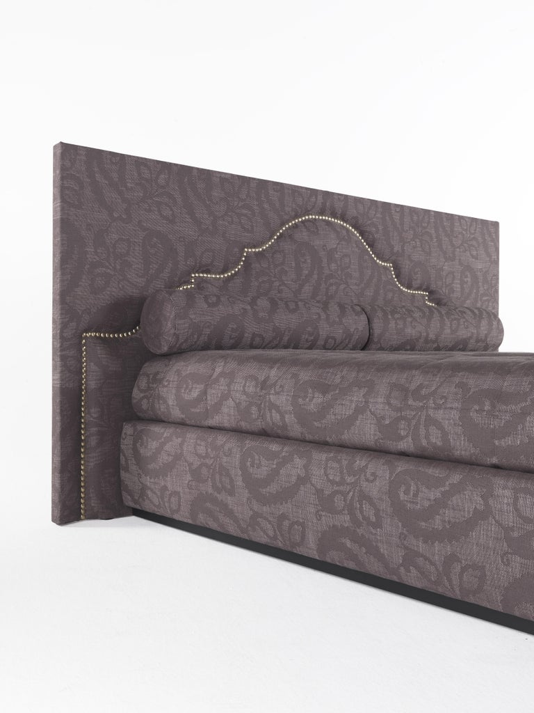 Contemporary Etro Bombay Bed in Wood and Dark Paisley For Sale