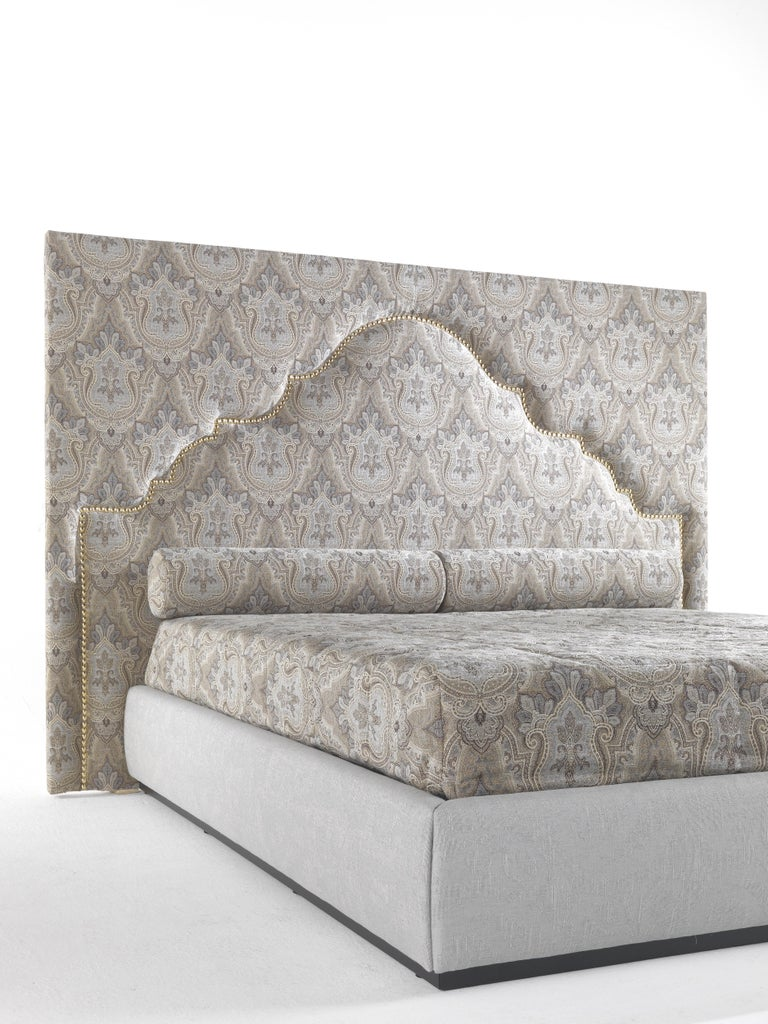 Modern Etro Bombay Bed in Wood and Light Paisley For Sale
