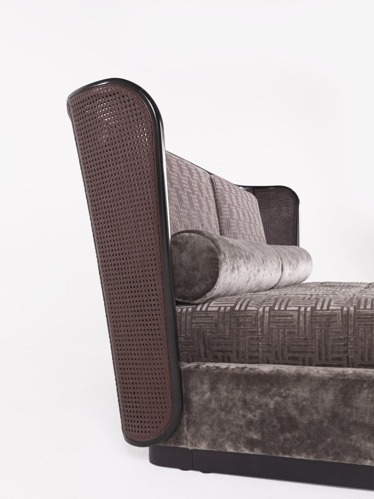 Etro Caral Bed in Wood and Velvet For Sale 1