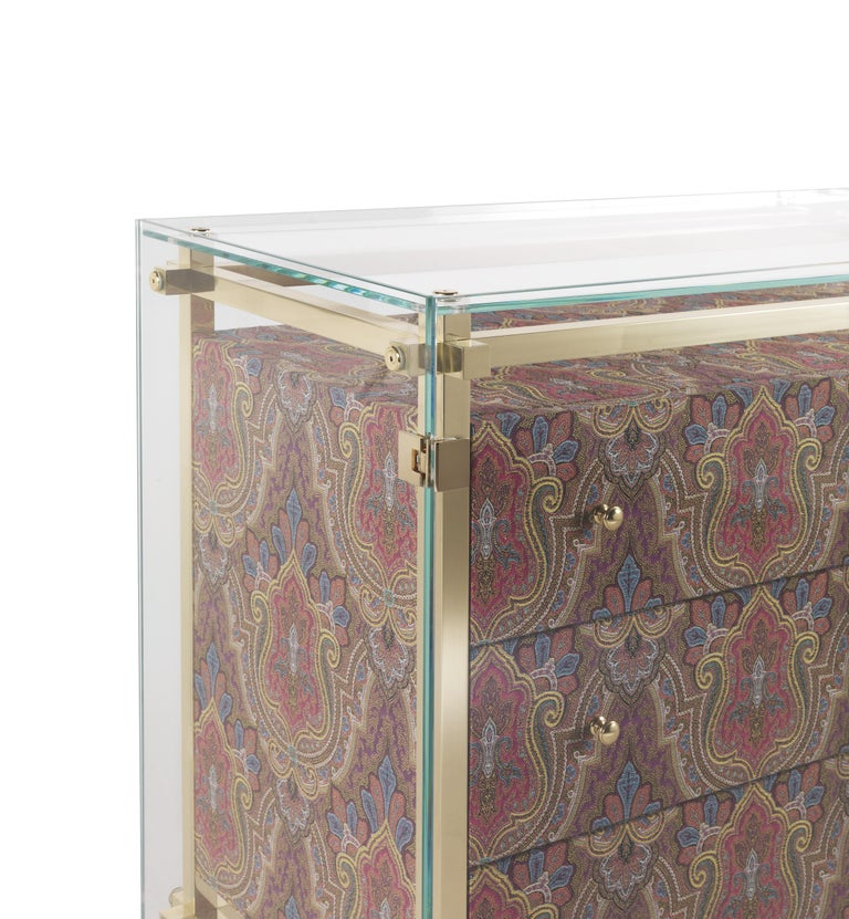 Etro Delhi Chest of Drawers in Wood, Red and Blue Paisley and Polished Brass In New Condition For Sale In Cantu, IT