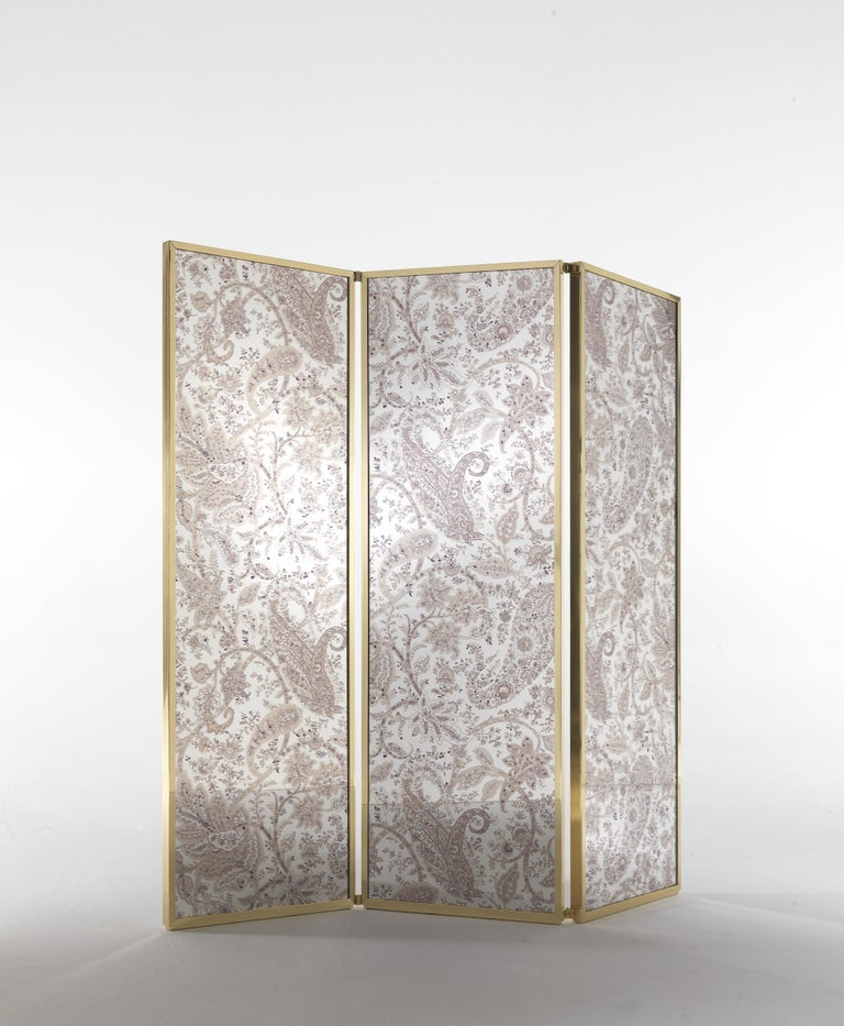 Italian Etro Gathi Screen in Brass and Wood For Sale