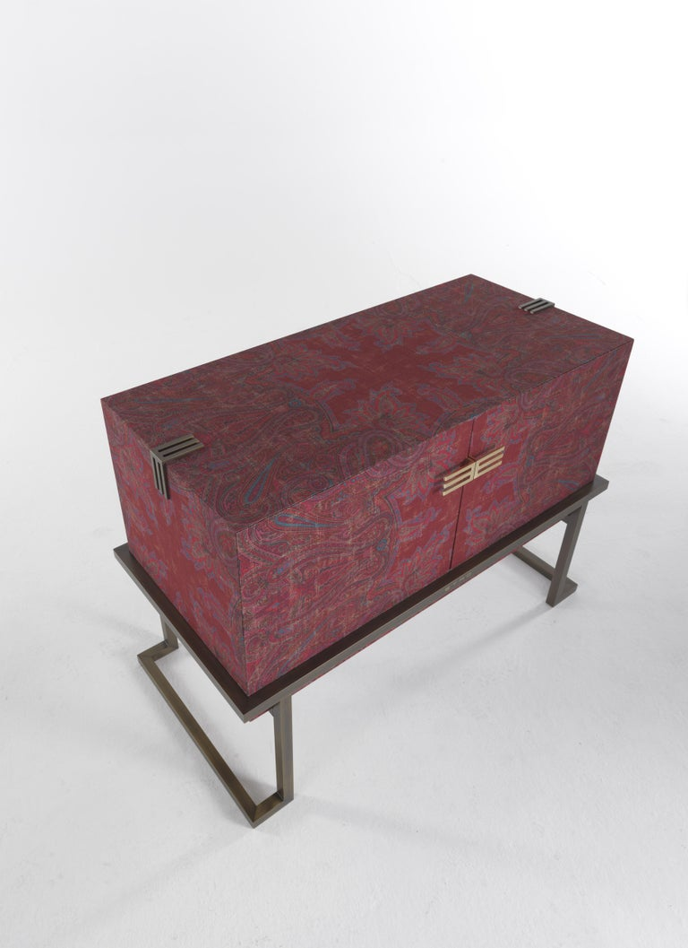 Etro Kolkata Sideboard with 2 Doors in Metal and Wood In New Condition For Sale In Cantu, IT