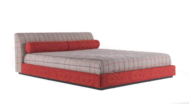 Etro Masada Bed in Wood and Fabric For Sale 1