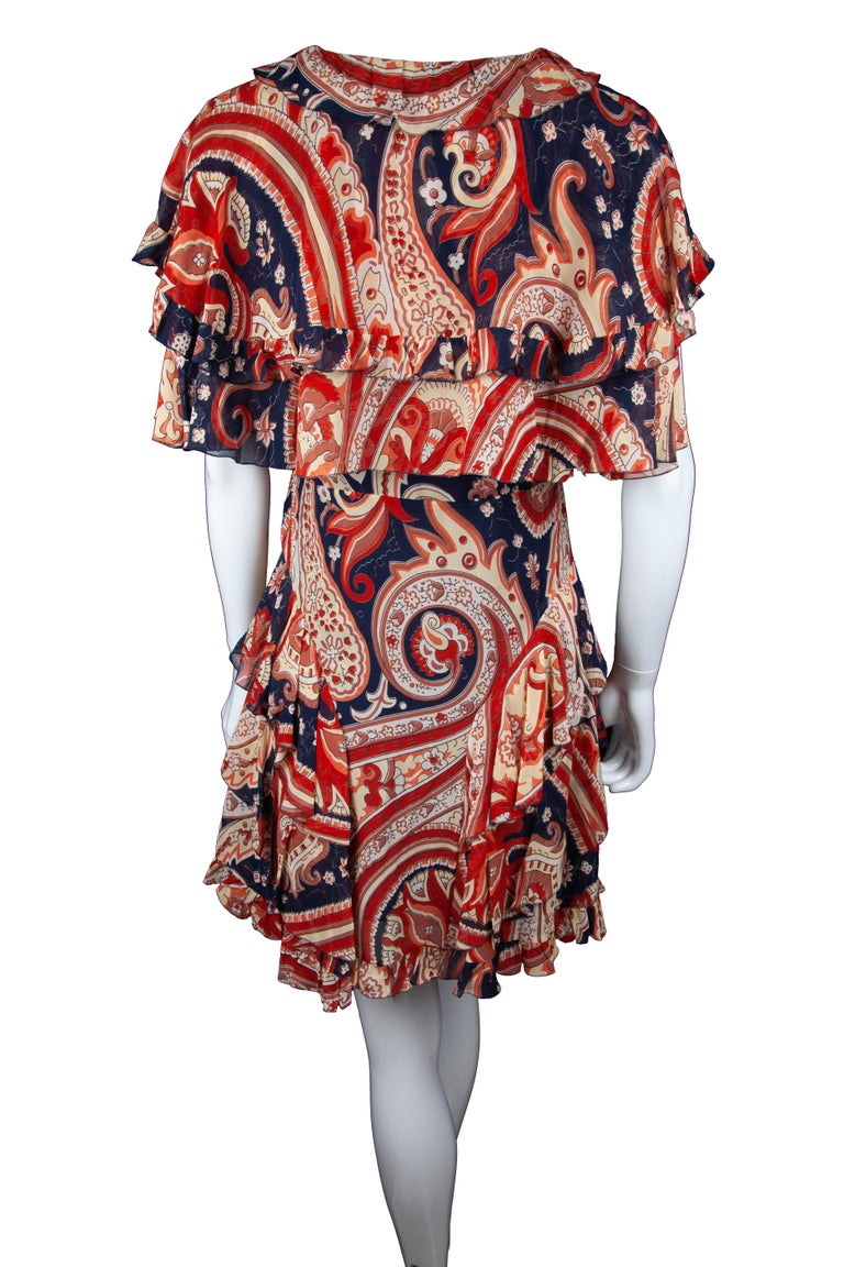 Beige Etro Runway Red & Blue Paisley V-Neck Tiered Ruffle Silk Dress Size 42 For Sale