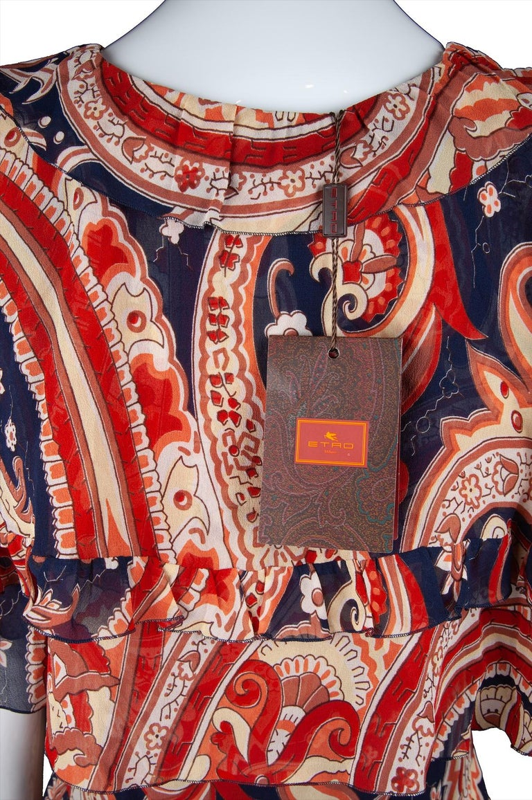 Etro Runway Red & Blue Paisley V-Neck Tiered Ruffle Silk Dress Size 42 For Sale 1