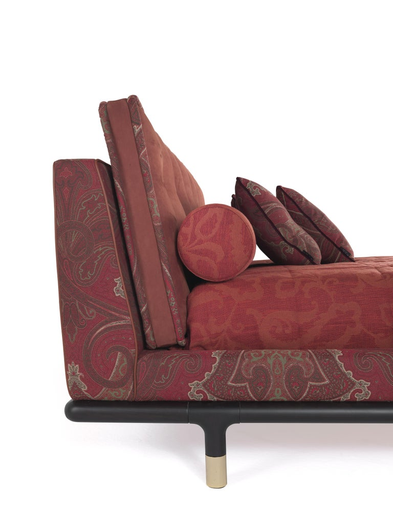 Polished Etro Woodstock Bed in Wood, Red Paisley and Brass For Sale
