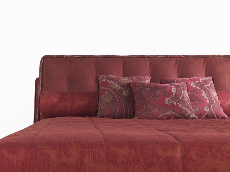 Etro Woodstock Bed in Wood, Red Paisley and Brass In New Condition For Sale In Cantu, IT