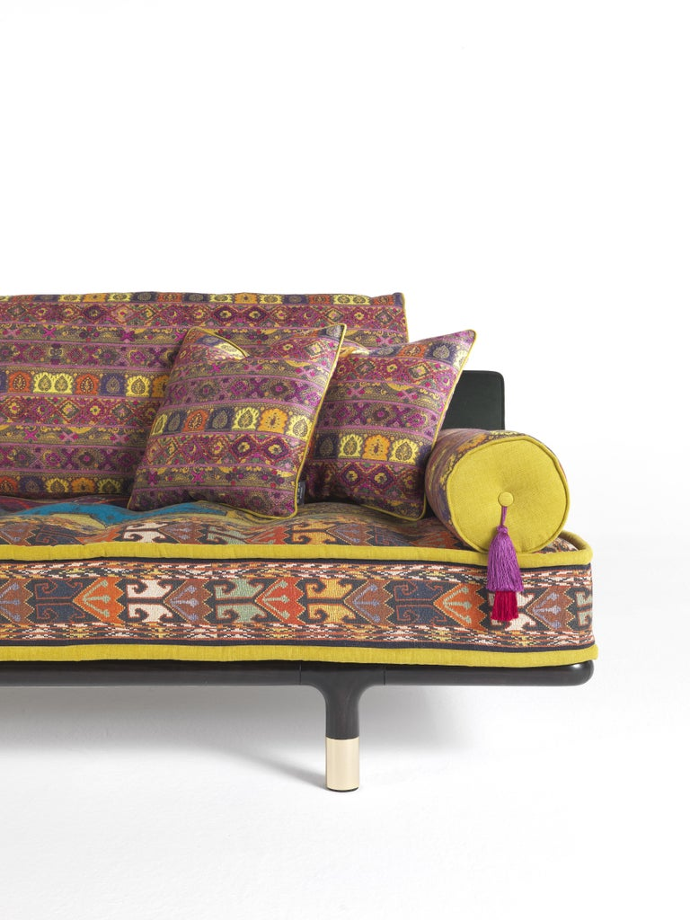 Contemporary Etro Woodstock Carnival 4-Seat Sofa in Fabric and Wood For Sale