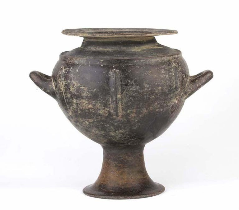 Etruscan Impasto Vessel 'Mid-7th Century BC' In Good Condition For Sale In London, GB